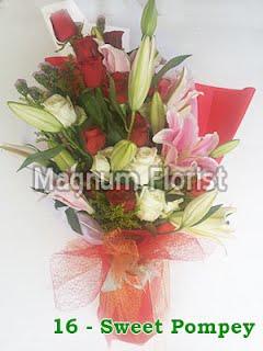 Hand buket bunga mawar putih