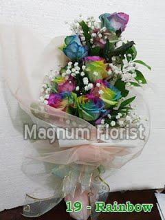 Hand buket mawar pelangi
