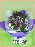 Buket bunga tulip ungu